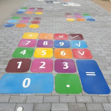 Kalkulator - gra podwórkowa